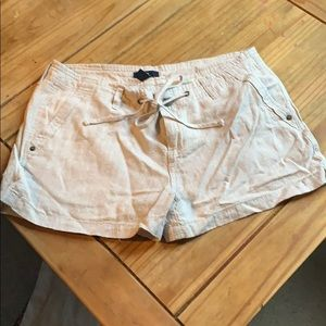 New Gap Linen Shorts. Size 8